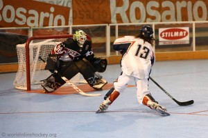 Hoser Charles Baldwin scoring for Team USA at the 2015 FIRS world championships.